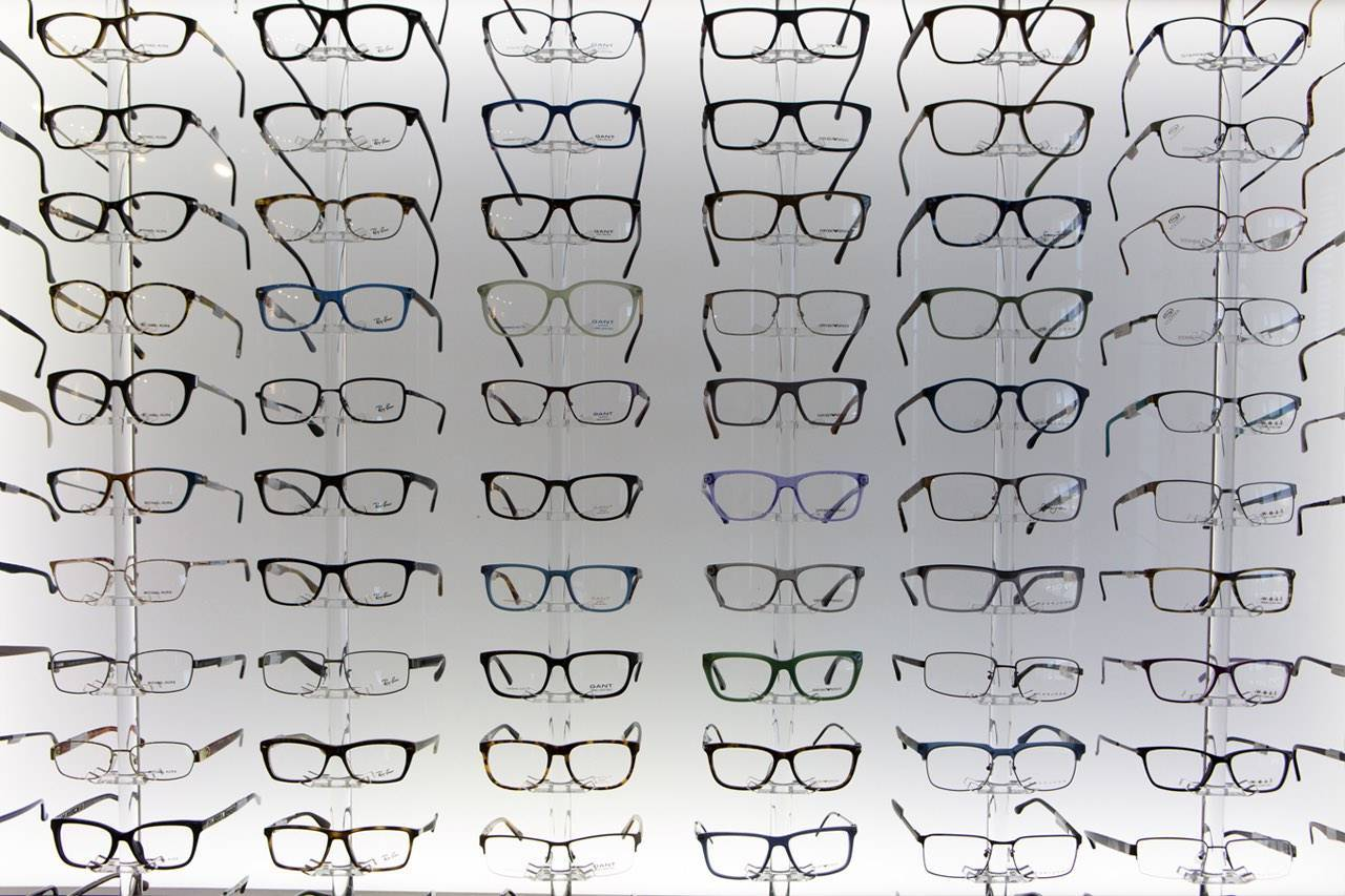 glasses_display_wall_large_selection